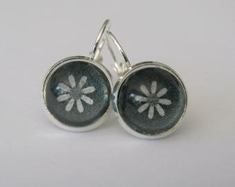 Earrings, lever back, 12mm diameter glass cabochon, charcoal color