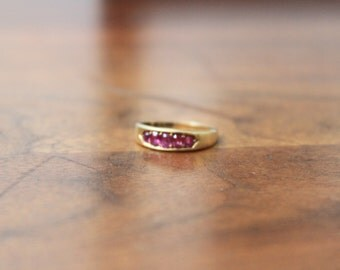 SALE! Vintage Pink Ruby Yellow Gold Band
