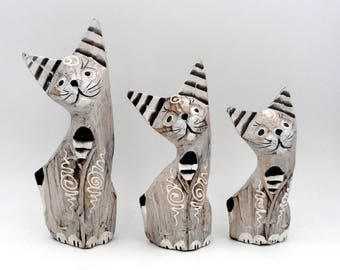 Set of 3 Vintage wooden cat family cats painted Shabby Chic Vintage Wood Cat