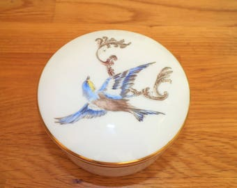 Beautiful Bone China Royal Worcester Hand Painted Trinket Dish with Blue Bird Decoration