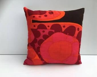 "Cushion cover in 60s Boras Mykero print Saini Salonen vintage retro midcentury scandinavian pink red brown 40cm 16"""
