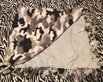 Black & Gray Camouflage Tie Blanket
