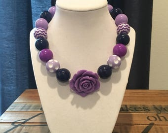 Stretchy navy and shades of purple chunky necklace
