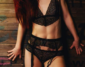 SET- LADY in BLACK -Hand-made lingerie with french lace