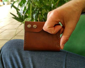 Slim vertical wallet for cash and cards