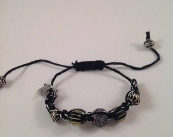 Black macrame bracelet