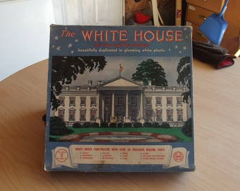 Plastic Vintage Replica of The USA White House