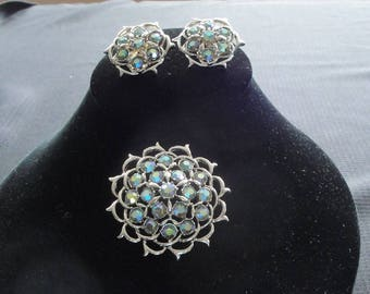 """Sarah Coventry Gold """"Lime-Lights"""" Brooch / Pin and Clip On Earrings Set --      #15"""