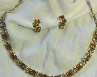 Lisner Vintage Necklace and Earring Set