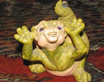 """DRAGON KEEP """"RAZZ"""" moodkeeper figurine by Martha Carey with swarovski crystal 1988 #5110"""