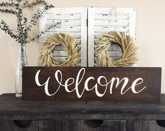 Hand lettered wood sign (Welcome)