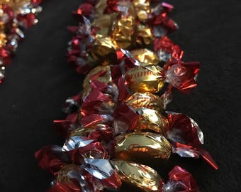 Candy lei gold red