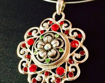 Necklace with an IRISH pendant