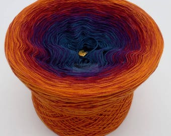 Lady Dee's Traumgarne - Freiheit - Cognac outside  - 4 ply gradient yarn, 5 colors, Color Changing Yarn