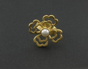 D 67 Handmade silver plated ring with Pearl.