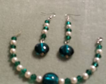 Teal Bracelet and Earrings with Champagne colored pearls