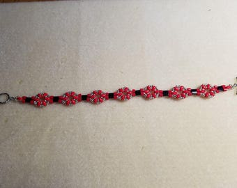 Little Ditties Beaded Bracelet in Red and Black
