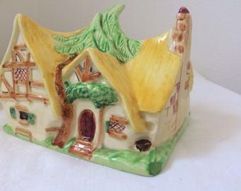 Rare,Antique cheese dish,Walt Disney ,Snowwhite dome,Wadeheath ,Collectible, Disney  collection