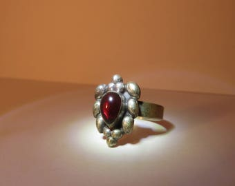 Vintage Deep Crimson ring