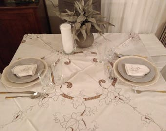 White and grey 8 seater round tablecloth