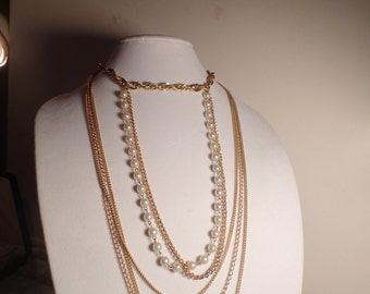 Fun 1970's Faux Pearl Necklace