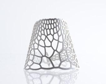 Crenulate Bracelet - white | lasercut rubber jewelry | Corollaria collection
