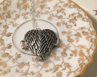 Angel Wing Locket Necklace, Mourning Locket, Sympathy Locket, Photo Locket, Gift for Her, Girlfriend Gift, Mother Gift , Gift Under 30