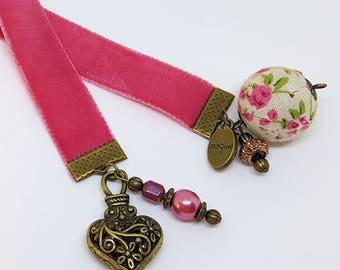 Vintage Look Velvet Ribbon Beaded Charm Bookmark