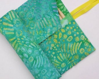 double pointed knitting needle case - organizer  - crochet hook - organizer - 28 pockets - colorful batik prints