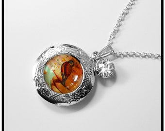 Bird On My Finger, locket, bird lockets...gift box,lockets,personlized lockets,bird jewelry,bird pendants,personalize the interior optional