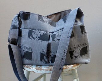 Grey Vintage Camera Bag - 6 Pockets - Adjustable Strap - Key Fob