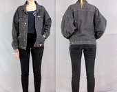 1990s Black Denim Guess Boyfriend Jacket in Women's Medium. Buffy Party of Five Neve Campbell Oversized XL black jean jacket . moto cropped
