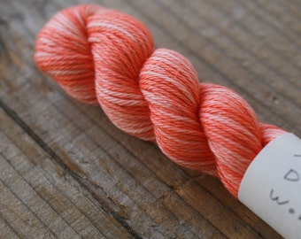 Maito Natural Dyed Stitching Thread for sashiko and kogin variegated peach color OR