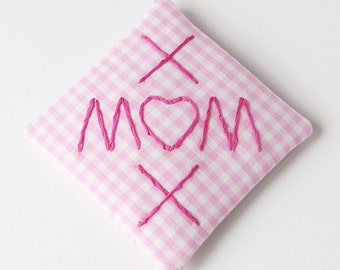 MOM XOX embroidered sachet, pink gingham lavender sachet, Valentine's day gift, Mother's Day gift, scented pillow scented drawer sachet