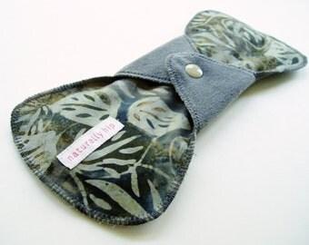 "9.5"" 24cm Heavy Cotton Velour Cloth Menstrual Pad, Grey Leaves Botanical, Incontinence Pad Maxi Pad Ultra Pad, Contoured Flared Cloth Sanpro"