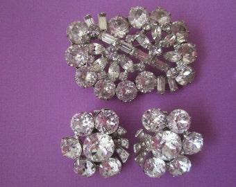 Vintage Weiss Rhinestone Brooch and Earrings