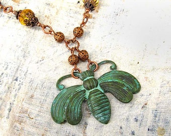 Bee necklace - Patina necklace - Bumble Bee beaded necklace - Rustic jewelry - Copper jewelry - Patina jewelry