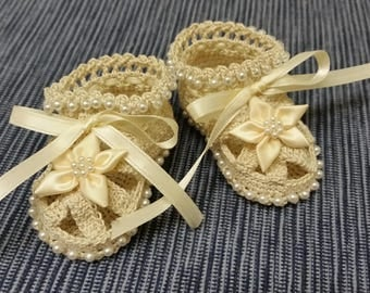 Christening Baby Shoes, Christening Crochet Booties Cream Flowers and Pearls Newborn Girl Reborn
