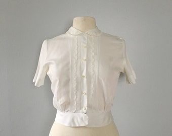 Vintage 1940s white short sleeve blouse / Peter Pan collar bouse / light weigt blouse