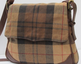 WAXED FLANNEL SADDLEBAG  Pleasing Plaid with Leather