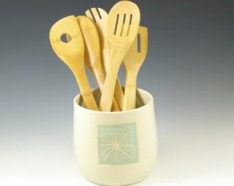 ONE Ceramic Pottery Utensil Holder, Tool Holder Crock, Kitchen Holder, Stoneware Spoon Holder Handmade, Kitchen Decor, Farmhouse Pottery