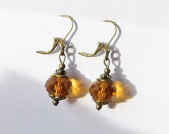 Ohrhänger facettierte Perle vintage bernsteinfarben bronze