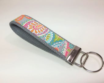 Wristlet Keyfob in Bright Paisley