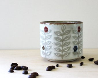 Stoneware tea cup, 1970s rustic serving.
