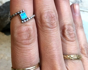 Midi ring, knuckle ring, stacker simple dainty ring, Silver Gold ring, opal ring, square stone ring, delicate ring, boho ring - Sculpt R2479