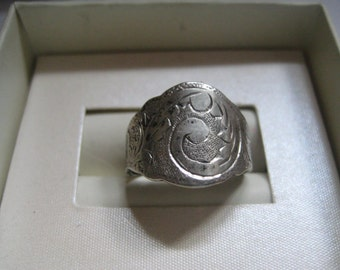 Siam Sterling Silver Cigar Band Ring with Engraved Top