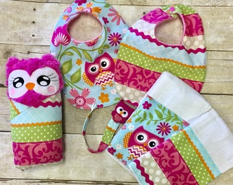Adorable owl Burp Cloths bibs and paci clip gift set