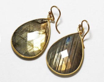 Real Labradorite Earrings Flashing Labradorite Aurora Borealis Earrings Genuine Rare Stone Earrings 14k Gold Bezel Earrings BZ-E-106-Lab/g