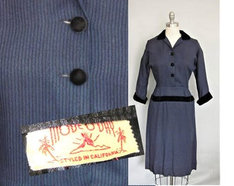 29 waist, New Look, Hourglass Silhouette, Navy Blue Pint Stripe Sheath Dress / 1950s day dress / Bombshell Wiggle Style Dress / size 8