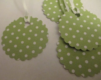 8 Green Polka Dot Hang Gift Tags